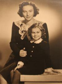mother Hedvika born Neumannová 24.4.1907 - 11.10.1981