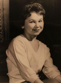 Vlasta Janoušková - young