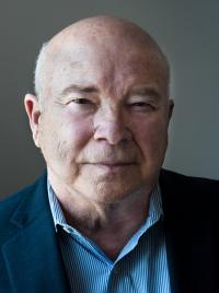 Frank  Calzón