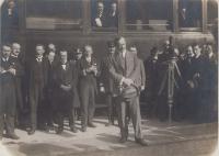září 1919, příjezd Beneše do Prahy po válce, strýc Karel za kamerou