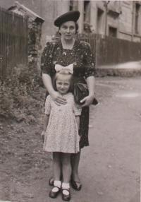 Libuše s maminkou