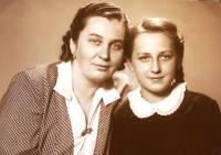 Libuše se svou matkou Libuší