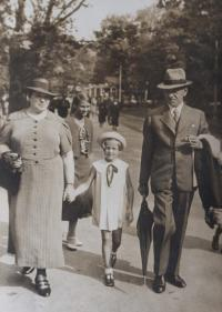 S tetou a strýcem (1938)