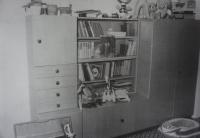 Fotografie pořízená Státní bezpečností při domovní prohlídce u pamětníka Michala Mrtvého