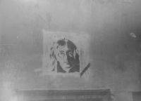Malba Johna Lennona v Kozí ulici v Olomouci