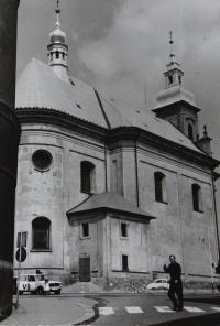 Farní kostel sv. Jana Křtitele v Hranicích před opravou.