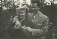 pamětník Rostislav Čapek s manželkou