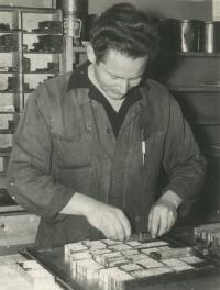 pamětník Rostislav Čapek v tiskárně