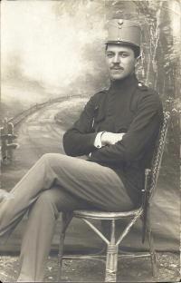 Dědeček Josef Klos, odveden do války 1916, padl 1917