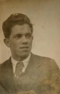 Stanislav Bělík, rok 1937