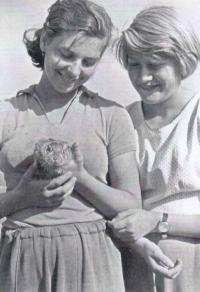 Students Marta and Věra from the Ladislav Lašek class at the brigade