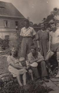 Family photo from the family farm in the village Vinná - Ladislav Lašek, his father, mom, brother František with his wife and son
