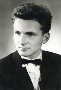 18-years-old František Lízna, high-school graduation, city of Jevíčko