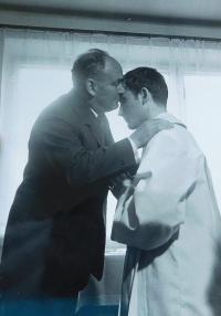 František Lízna s tatínkem při primici