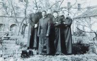 František Lízna, uprostřed bohoslovců, Litoměřice