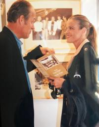Jiří Jírů with Chantal Poullain, opening of the photo exhibition from the book HAVEL, Prague 2007ex
