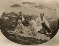 the wife's family - Bedřich Švejdar's father on the right, Opočenský's grandfather at the back