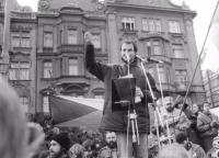Revoluce v Plzni; oznámení vzniku Očanského fóra Škoda týden po 17.11. (středa)
