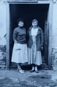 Návrat na rodný statek po 40 letech se sestrou