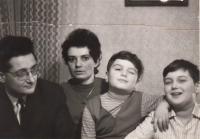 Jarmila s rodinou v Praze v 70. letech
