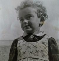 Jarmila  v roce 1941