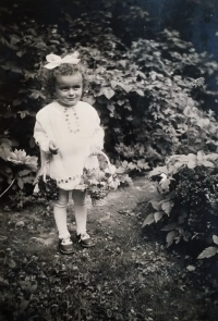 Jarmila v roce 1940