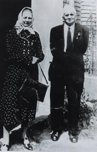 His parents Františka and Bedřich Langer