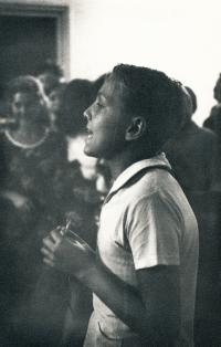 Béla Szaló recituje na táboře v Maďarsku, rok 1965