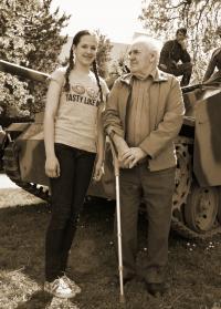 Regina Urubková s panem Kudláčem při příležitosti historické bojové ukázky v Kyjově. Kyjov 2015.
