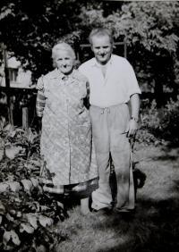 Prababička Hedvika Švédová se svým synem Vratislavem