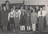 Eduard Kraus jako učitel jednotřídky v Radotíně, školní rok 1957/58