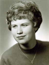 Jana Pikousová, za svobodna Matoulková; fotografie pochází z maturitního tabla zdravotní školy