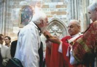 Confirmation of the witness by Cardinal Vlk at St Vitus Cathedral, Prague 2006
