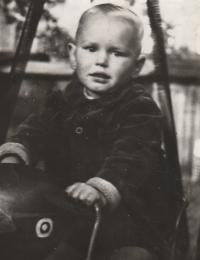 Petr Pavlík, Prague about 1947