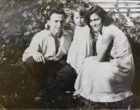 Ilias Cumaropulos s manželkou a dcerou