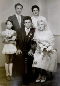 Ilias Cumaropulos s manželkou Eleni, dcerou, bratrem Tomášem a jeho manželkou