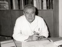 Antonín Doležal - ve své kanceláři