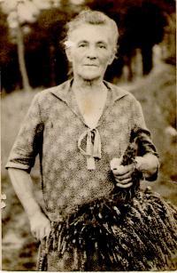 babička Anna Vrátná