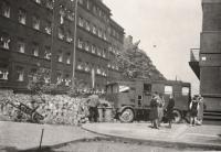 Žižkov 1945 - barikáda v Radhošťské