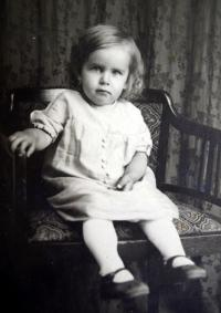 Marie Antošová as a two-year-old girl