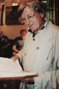 Vlastimil Venclík - křest knihy v kavárně Fedora Gála v Praze 2 - po roce 1989