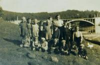 School trip in Horní Lipce at the Pastviny dam in 1947