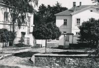 Domanínek - castle at right