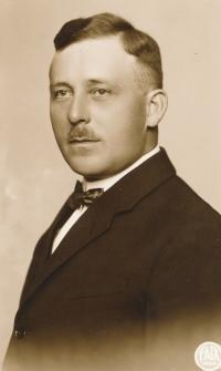 Jaroslav Tobyáš, the 30s