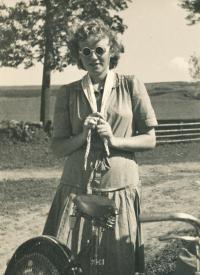 Jitka Tobyášová 1943, Sykovec pond
