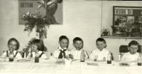 Setkání Jiskřiček a Pionýrů v roce 1962. Blanka Dospělová druhá zleva