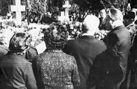 Pohřeb Marie Kolaříkové / 1977