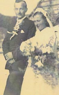 1949 - wedding photo 1