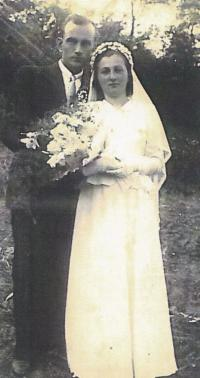 1949 - wedding photo 2