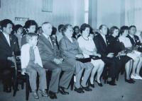 Vlevo vpředu rodiče Ferdinand a Marie Francovi